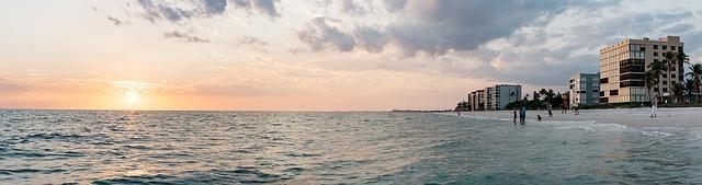 večerní hladina moře