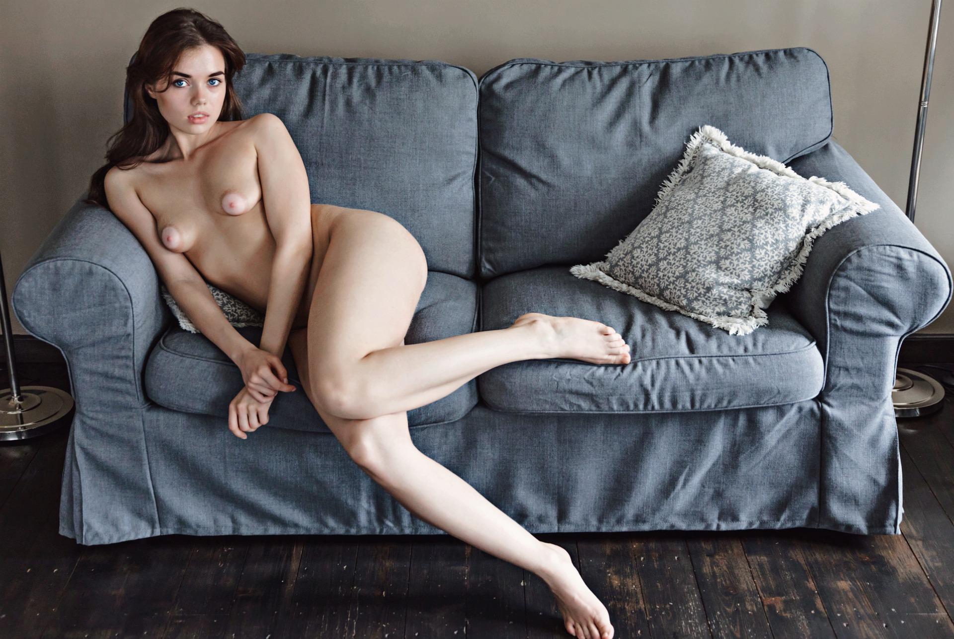 nude-6185088_1920